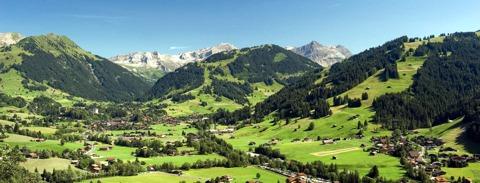 Urlaub Europa: Gstaad - eine märchenhafte Alpenlandschaft mit einem spektakulären Ausblick