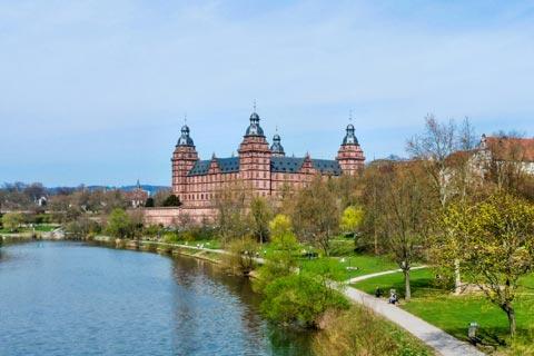 Reiseziele für Urlaub in Unterfranken - Schloss Johannisburg in Aschaffenburg