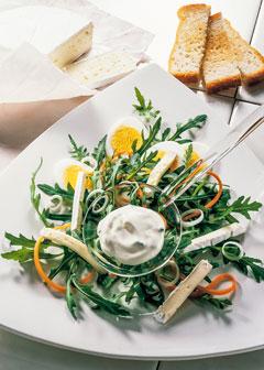 Rucola-Salat mit Joghurt-Dressing