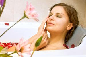 40 Rezepte für Badezusätze - zaubern samtweiche Haut