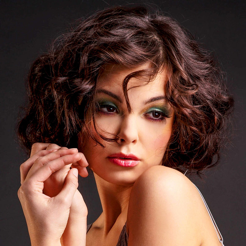 Frisuren bob kurz locken
