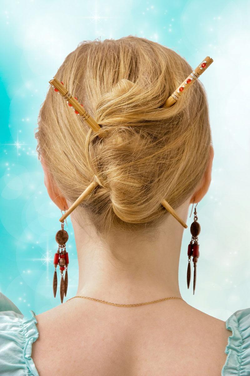 Прическа с палочками для волос фото