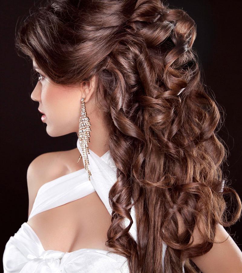 Gelockte Abendfrisur Fur Lange Haare Halboffen Gestylt Elegante