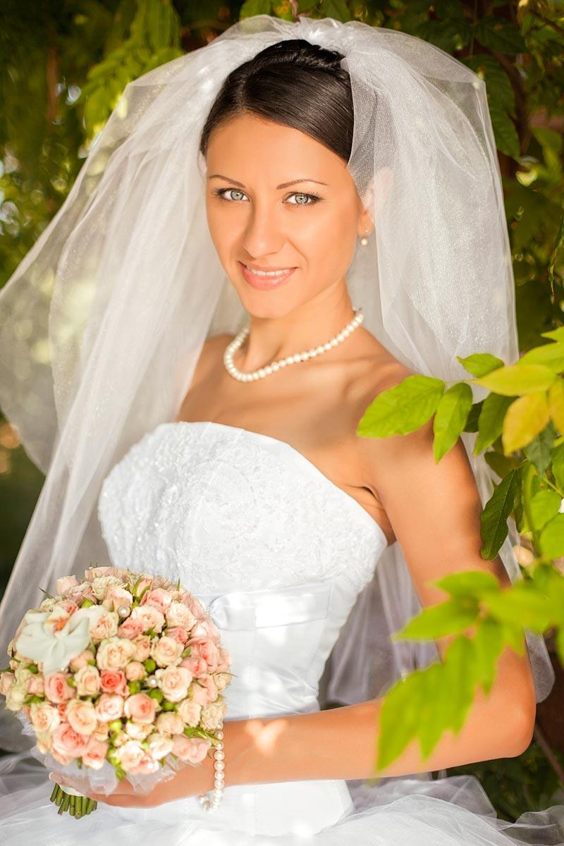 Hochzeitsfrisur mit üppigem Schleier | Hochzeitsfrisuren