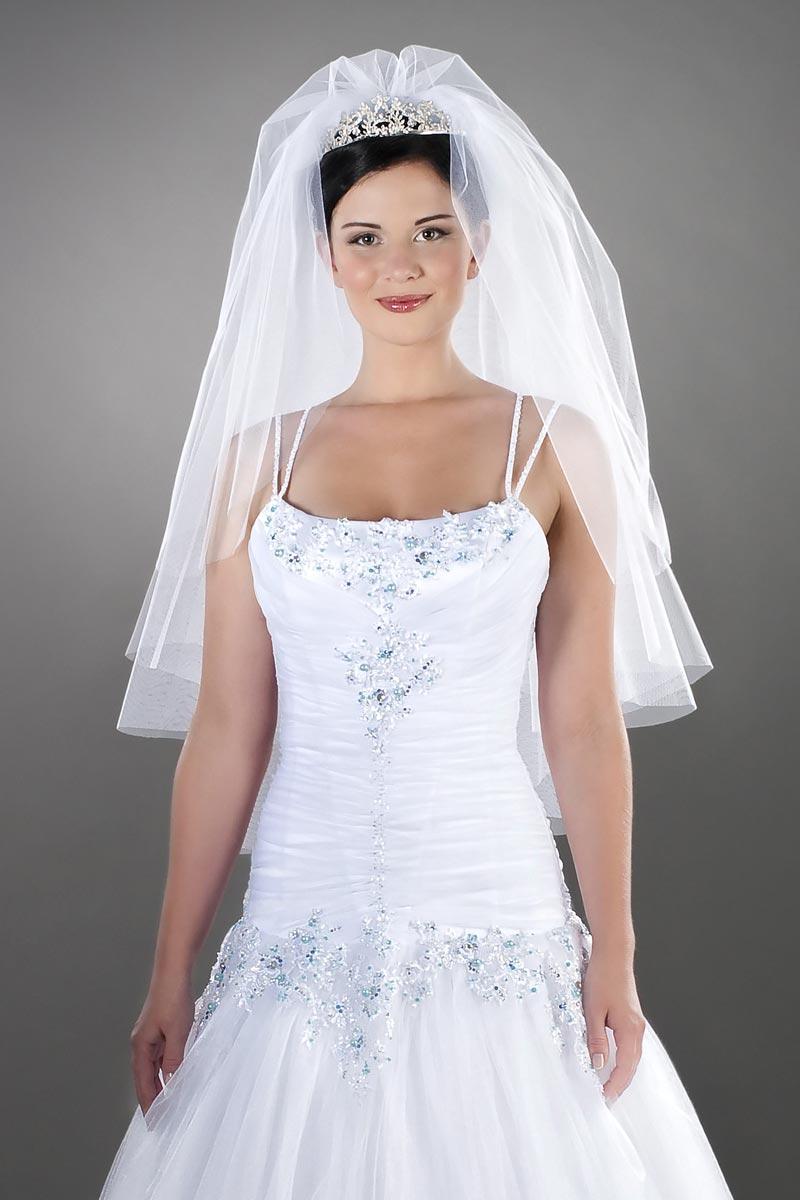 Bezaubernde Hochzeitsfrisur Hochzeitsfrisuren Brautfrisuren Mit