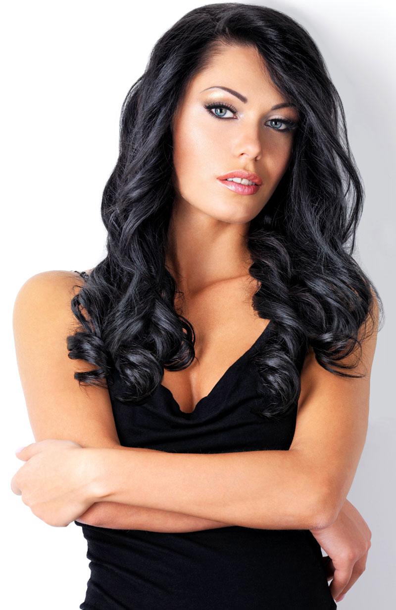 Lange schwarze Haare mit Locken  Schwarze Haare
