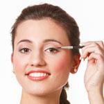 weiter zu - Eyeliner richtig auftragen – so gelingt ein perfekter Lidstrich