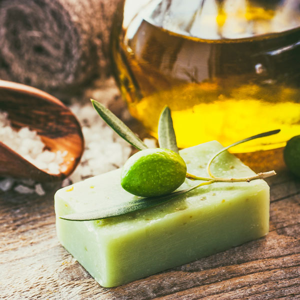 Salzseife mit Olivenöl selber machen