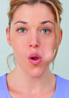 Was tun gegen Kopfschmerzen? 5. Massage mit der Zunge